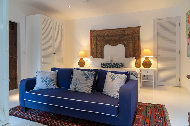 Bedroom with Table Lamps - The Cotton House - Seminyak, Bali