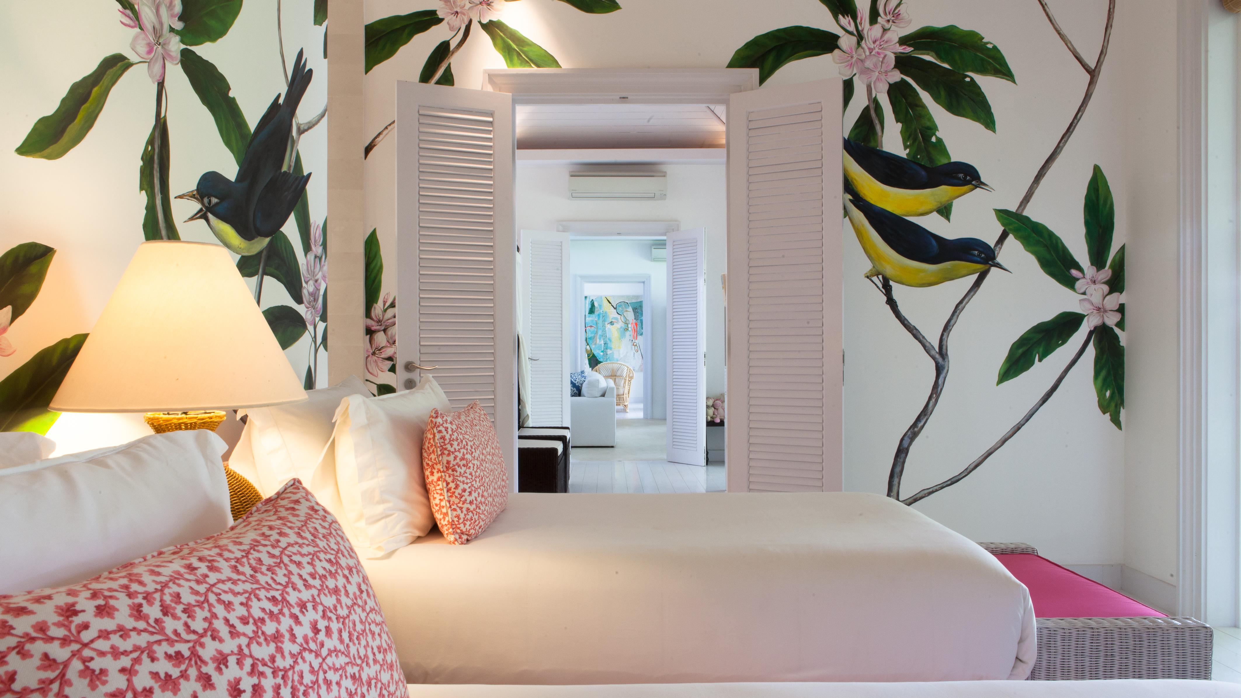 Bedroom with Twin Beds and Seating Area - The Cotton House - Seminyak, Bali