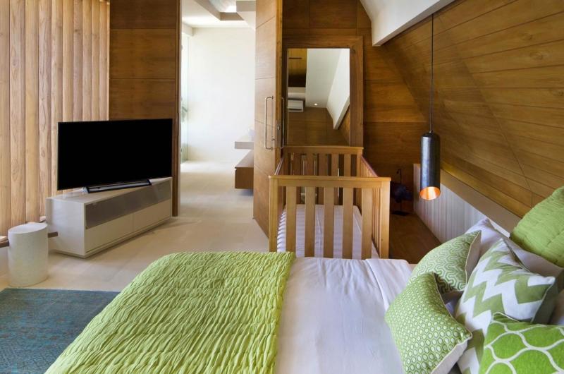 Bedroom with Baby Cot - The Iman Villa - Pererenan, Bali