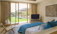Room with Seating Area and TV - The Iman Villa - Pererenan, Bali