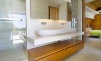 En-Suite Spacious Bathroom - The Iman Villa - Pererenan, Bali