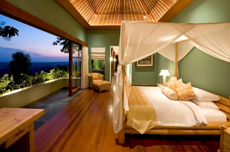 Bedroom with Wooden Floor - The Longhouse - Jimbaran, Bali