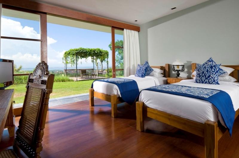 Twin Bedroom with View - The Longhouse - Jimbaran, Bali