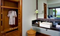 Bathroom with Wardrobe - The Longhouse - Jimbaran, Bali