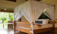Four Poster Bed - The Lotus Residence - Tabanan, Bali