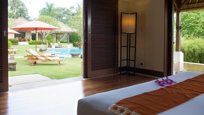 Bedroom with Wooden Floor - The Lotus Residence - Tabanan, Bali