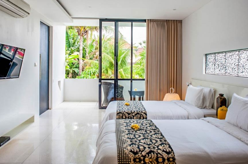 Twin Bedroom with TV - The Muse Villa - Seminyak, Bali