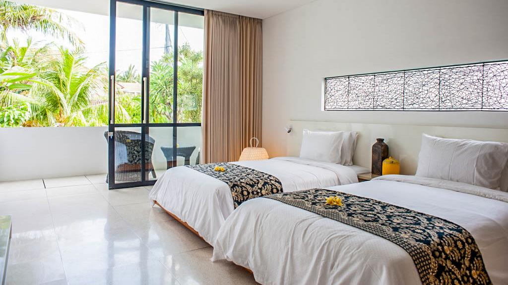 Twin Bedroom and Balcony - The Muse Villa - Seminyak, Bali