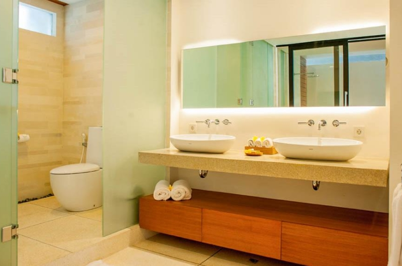His and Hers Bathroom with Mirror - The Muse Villa - Seminyak, Bali