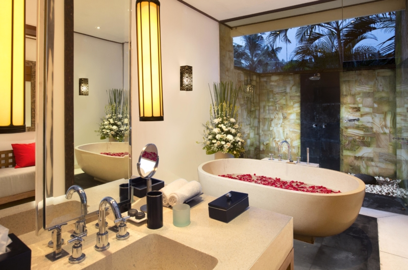 Bathtub with Rose Petals and Mirror - The Sanctuary Bali - Canggu, Bali