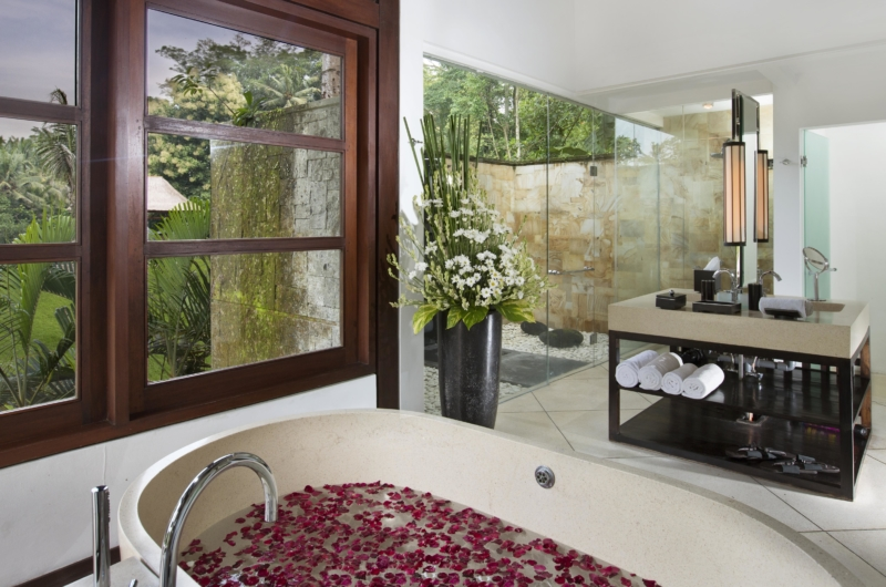 Bathtub with View - The Sanctuary Bali - Canggu, Bali