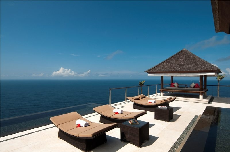 Reclining Sun Loungers - The Edge - Uluwatu, Bali