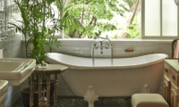 Bathtub - The Island Houses - White House - Seminyak, Bali