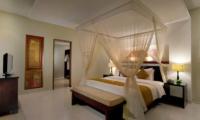 Bedroom with Table Lamps - The Kunja - Seminyak, Bali