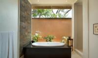 Bathtub - The Kunja - Seminyak, Bali