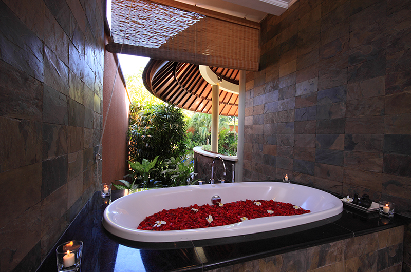 Romantic Bathtub Set Up - The Kunja - Seminyak, Bali