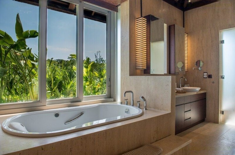 Bathroom with Bathtub - The Luxe Bali - Uluwatu, Bali