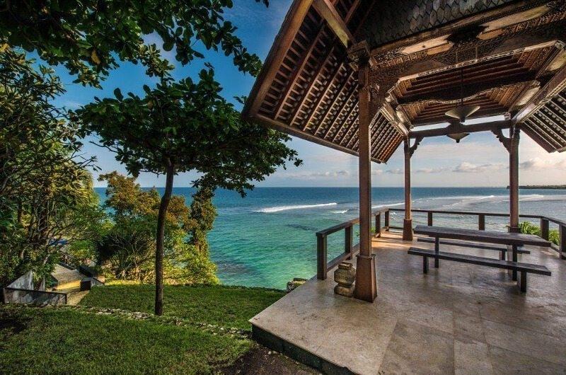 Outdoor Seating Area with Sea View - The Luxe Bali - Uluwatu, Bali