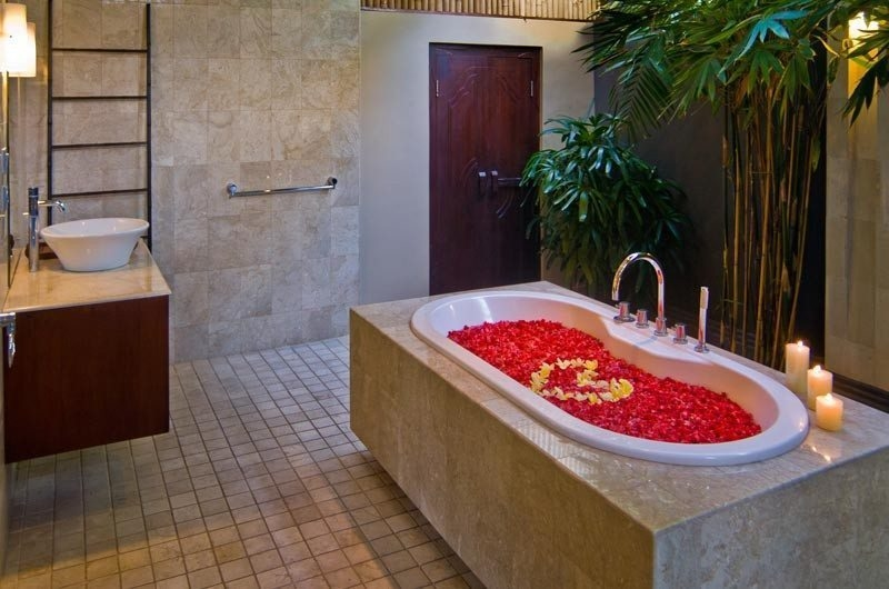 Bathtub with Rose Petals - The Residence - Seminyak, Bali