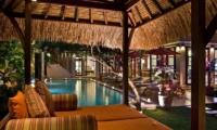 Pool Bale - The Residence - Seminyak, Bali