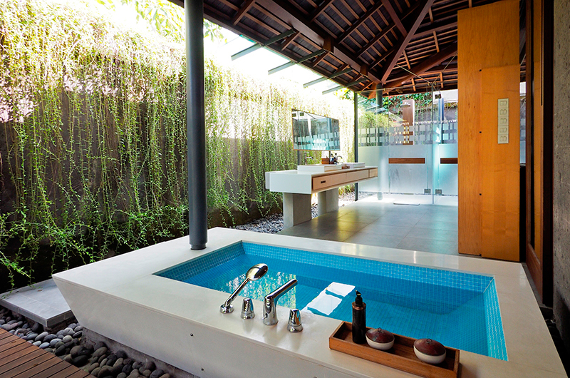 Semi Open Bathroom with Bathtub - The Santai - Umalas, Bali