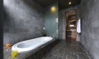 Bathroom with Bathtub - The Seiryu Villas - Seminyak, Bali