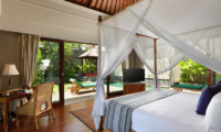 Four Poster Bed - The Shanti Residence - Nusa Dua, Bali