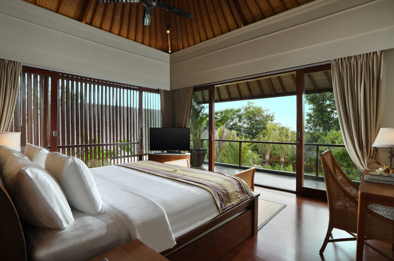Bedroom and Balcony - The Shanti Residence - Nusa Dua, Bali