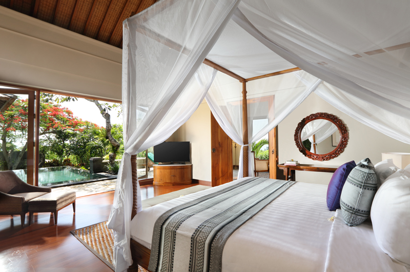 Bedroom with TV and Pool View - The Shanti Residence - Nusa Dua, Bali