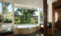 Bathroom with Bathtub - The Shanti Residence - Nusa Dua, Bali