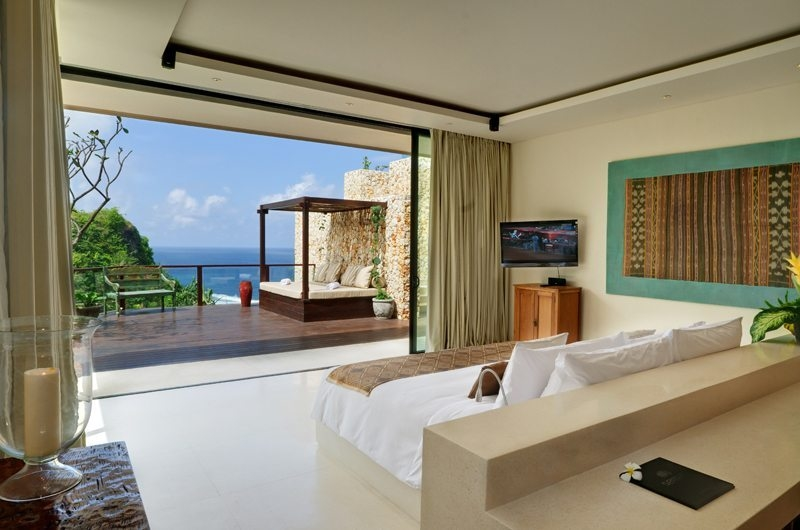 Bedroom with TV - The Ungasan Clifftop Resort Ambar - Uluwatu, Bali