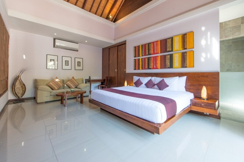 Bedroom with Seating Area - The Wolas Villas - Seminyak, Bali