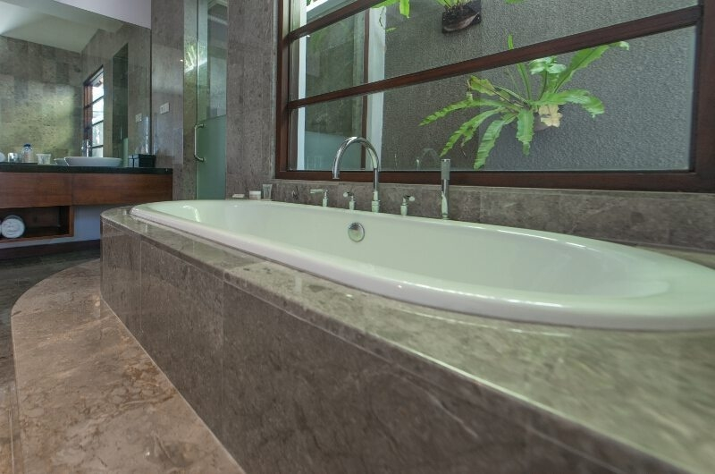 His and Hers Bathroom with Bathtub - The Wolas Villas - Seminyak, Bali
