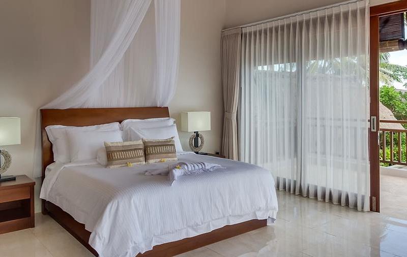 Bedroom and Balcony - Tirta Nila - Candidasa, Bali