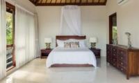 Bedroom with Table Lamps - Tirta Nila - Candidasa, Bali
