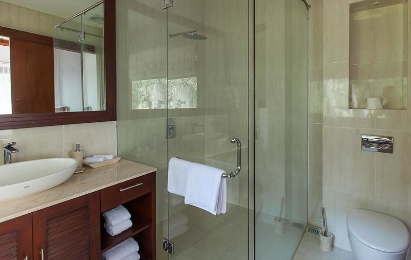Bathroom with Shower - Tirta Nila - Candidasa, Bali