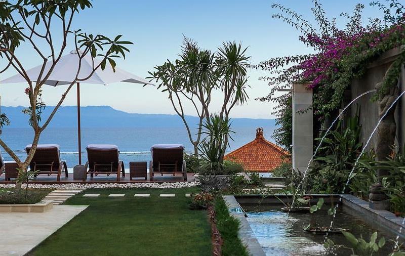 Lawns - Tirta Nila - Candidasa, Bali