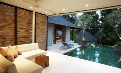 Pool Side Lounge - Tukad Pangi Villa - Canggu, Bali