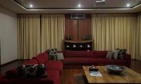 Indoor Lounge Area - Umah Di Sawah - Canggu, Bali