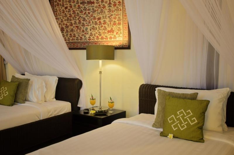 Twin Bedroom with Lamp - Umah Di Sawah - Canggu, Bali