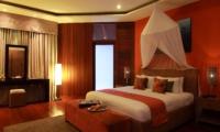 Bedroom with Mirror - Umah Di Sawah - Canggu, Bali