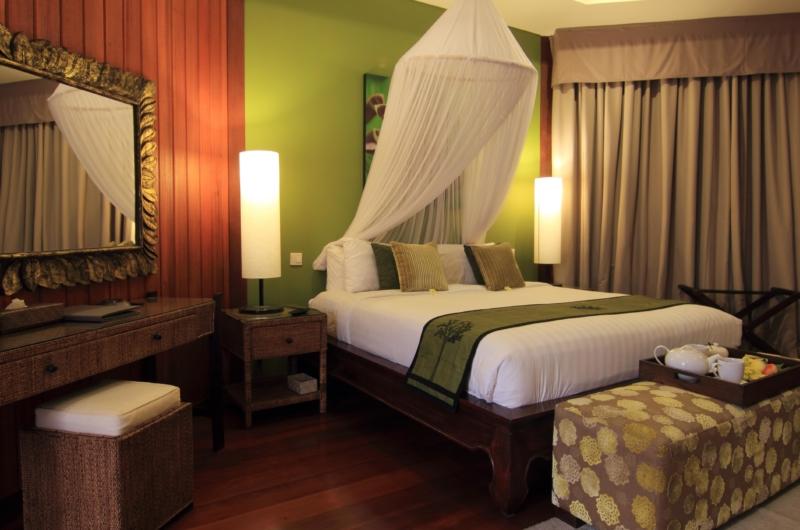 Bedroom with Breakfast and Dressing Area - Umah Di Sawah - Canggu, Bali