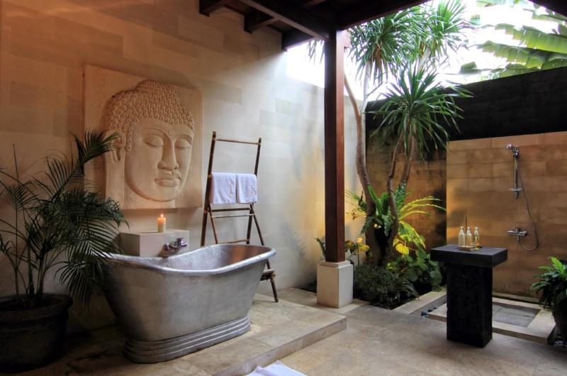 En-Suite Bathtub - Umah Di Sawah - Canggu, Bali
