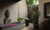 Bathroom with Mirror - Umah Di Sawah - Canggu, Bali