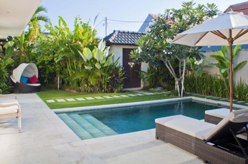 Reclining Sun Loungers - Umah Kupu Kupu - Seminyak, Bali
