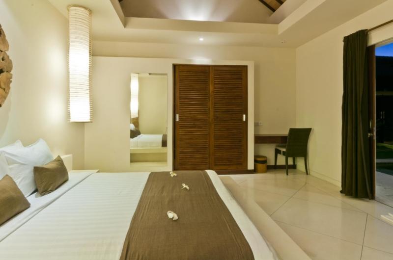 Bedroom with Garden View - Umah Kupu Kupu - Seminyak, Bali