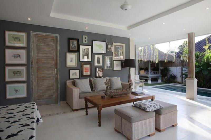 Lounge Area with Pool View - Umah Di Desa - Batubelig, Bali