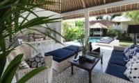 Living Area with Pool View - Umah Di Desa - Batubelig, Bali