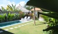 Gardens and Pool - Umah Di Desa - Batubelig, Bali