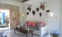 Lounge Area - Umah Di Desa - Batubelig, Bali